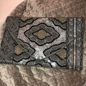 Steve Madden Bags - Embroidered clutch